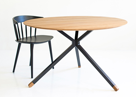 Elegant Frisbee dining table by Herman Cph