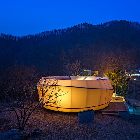Glamping tents shaped like worms<br /> and doughnuts by ArchiWorkshop