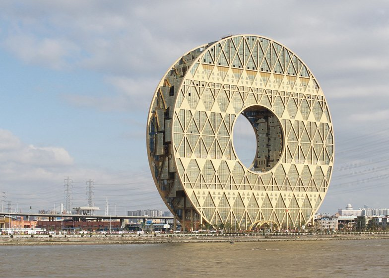 Doughnut-shaped skyscraper completes in Guangzhou