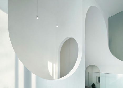 Hongkung Museum of Fine Art Gallery curved interior archways by penda