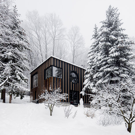 Hungarian forest cabin built<br /> in two days by T2.a Architects