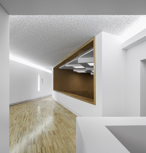 Jewish cultural centre with an acutely angled corner by Goncalo Byrne Arquitectos