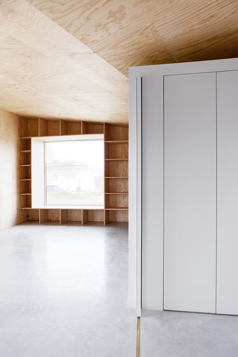 Aluminium-clad Rebel House by MONO