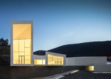 Rowing High Performance Centre in Pocinho by Alvaro Fernandes Andrade