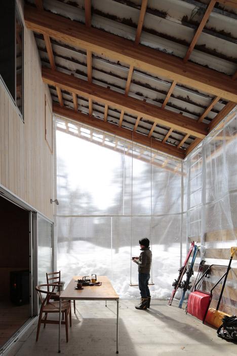Villa in Hakuba by Naka Studio