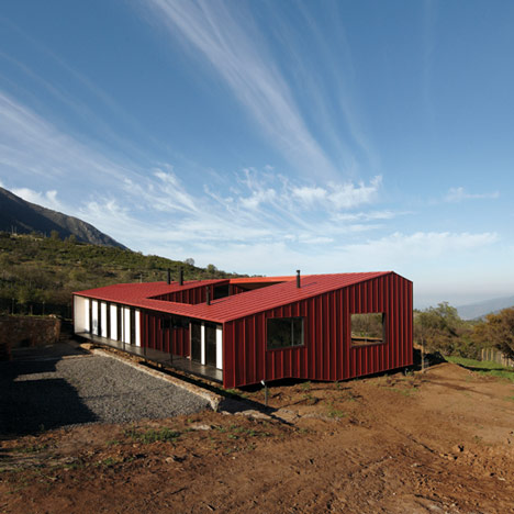 WA House in Chile by MAPA_dezeen_1sq