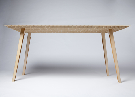 Wooden table by ruben beckers weighs just 4 5 kilograms for Table za stolove