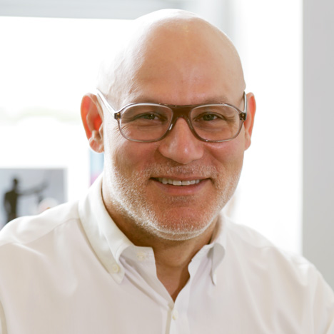 Dacra CEO Craig Robins portrait