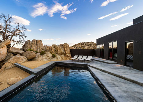 """Oller & Pejic's Desert House designed to look """"like a shadow"""""""