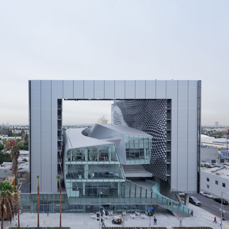 Emerson College campus by Morphosis places curvy classrooms within a hollow frame