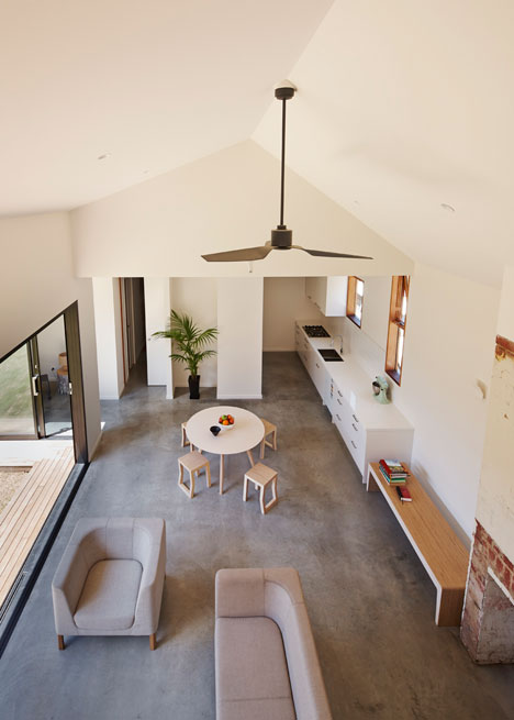 Engawa House in Melbourne by BLOXAS adopts a traditional Japanese veranda