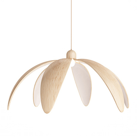 Flower-shaped lamp that blooms at night by Constantin Bolimond