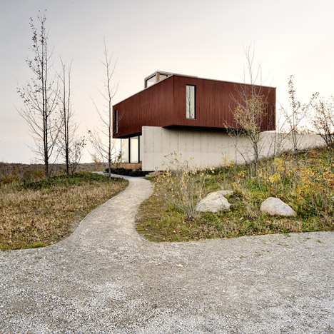 Frogs Hollow by Williamson Chong Architects_dezeen_1sqa
