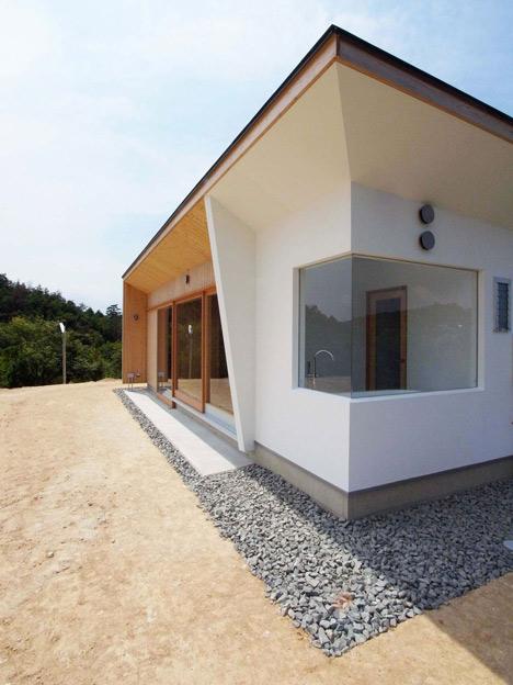 Hinanai Village House by Koura Architects