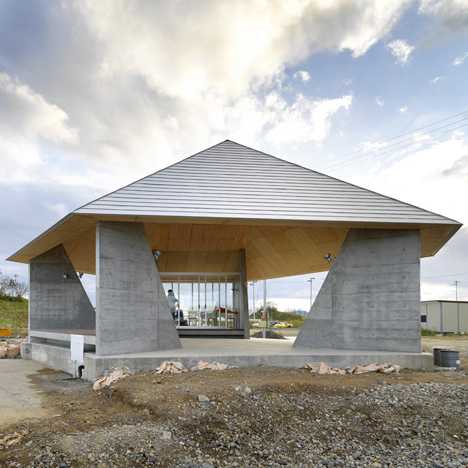 Yang Zhao completes fishermen's pavilion for Toyo Ito's post-tsunami reconstruction project