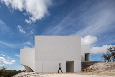 House in Fontinha by Manuel Aires Mateus