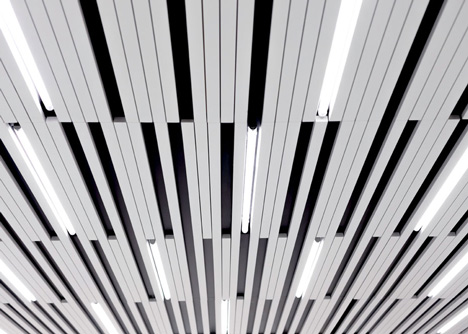 La SHED Architecture separates eye clinic into black and white zones
