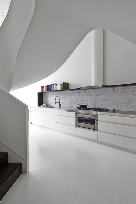 Loft apartment in Melbourne by Adrian Amore