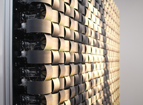 Mechanical Mirrors By Daniel Rozin_Weave Mirror_dezeen_3