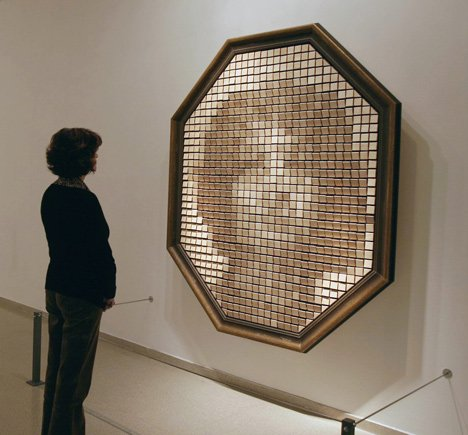 Mechanical Mirrors By Daniel Rozin_Wooden Mirror_dezeen_7