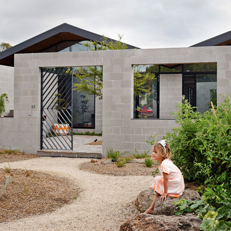Family courtyard fronts Fairfield Hacienda house by MRTN Architects