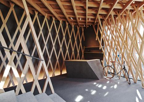 SunnyHills cake shop by Kengo Kuma encased within intricate timber lattice