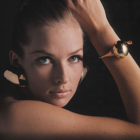 Gijs+Emmy exhibition of futuristic jewellery to open at the Stedelijk Museum