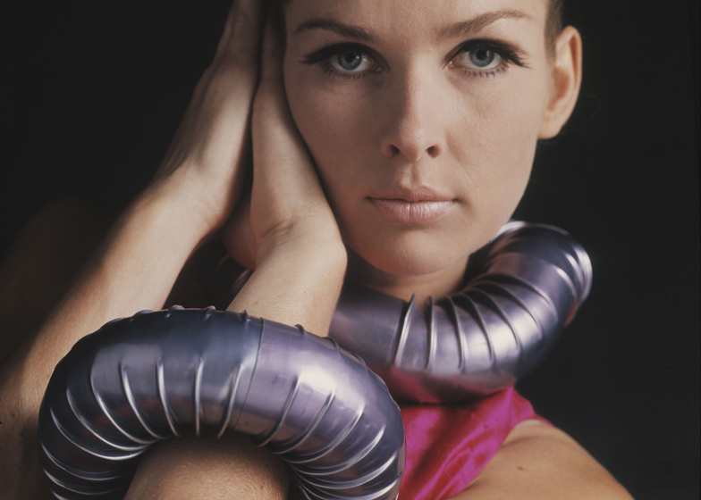 Sonja Bakker with Stovepipe Collar and Stovepipe Bracelet by Gijs Bakker, 1967. Collar from collection Centraal Museum, Utrecht. Armband from collection Stedelijk Museum, 's-Hertogenbosch. Photograph by Matthijs Schrofer.