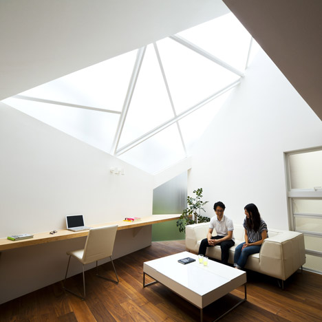 Tokyo house with skylight framing the sky by Atelier Tekuto_dezeen_9sq
