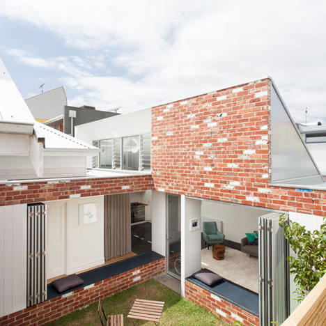 Renovated house turned around to face<br /> the sun by Architecture Architecture