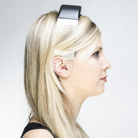 Headphones by Renaud Defrancesco transmit music across plexiglass band