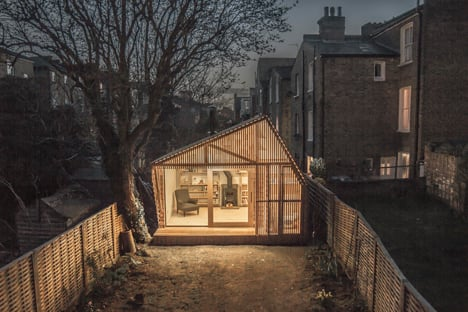 Writer's Shed with a glowing cedar facade by Weston Surman &amp Deane