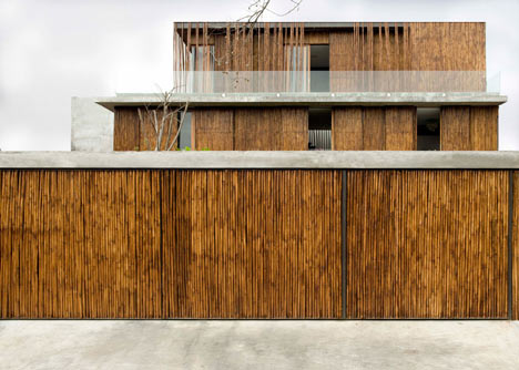 Bamboo clad house in the Philippines by Atelier Sacha Cotture