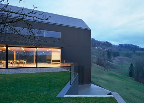 Black Barn by Arhitektura d.o.o. provides panoramic views of the Slovenian countryside