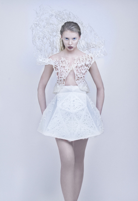 Francis Bitonti and New Skins Workshop students 3D-print flexible dress on a MakerBot