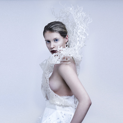 Francis Bitonti and New Skins Workshop students 3D-print flexible dress on a Make