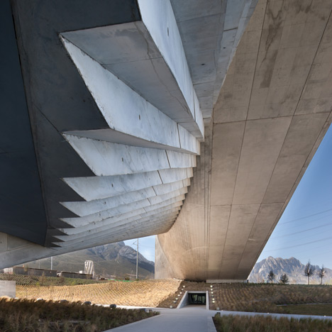 Movie: Tadao Ando's art and design school for University of Monterrey