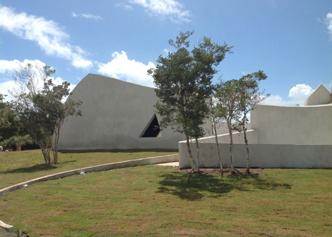 Concrete auditorium by Valentiny HVP Architects built for Brazils Musica em Trancoso festival