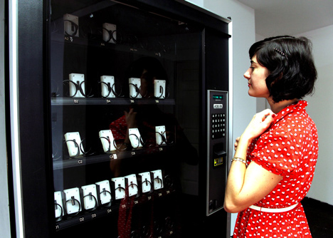DNA Vending Machine by Gabriel Barcia-Colombo_dezeen_4