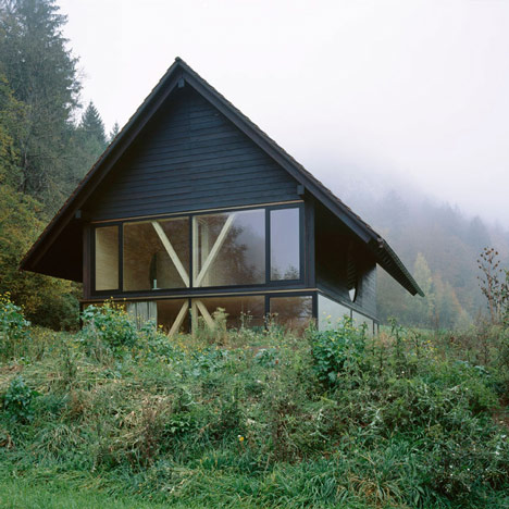 House in Balsthal by Pascal Flammer_dezeen_0sq