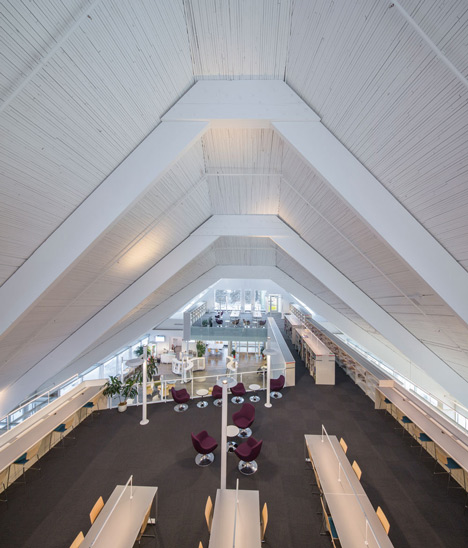Lofty church in Quebec transformed into a library by Dan Hanganu and Cote Leahy Cardas