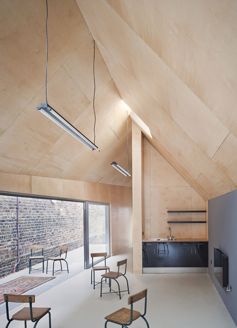 School gatehouse built on a strict budget by Jonathan Tuckey Design
