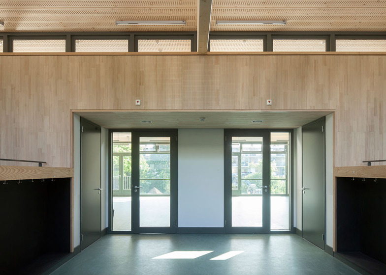 School in Rotterdam decorated with tiles based on traditional Dutch patterns