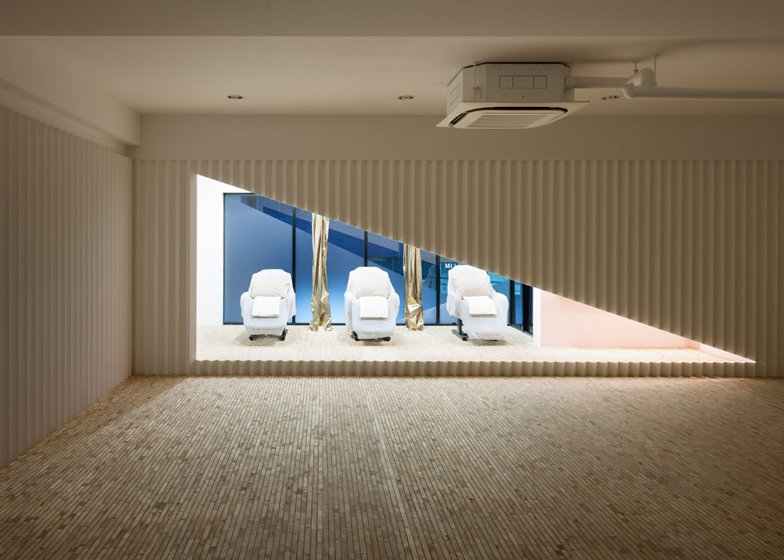 The Nail Salon Kolmio+LIM by Yusuke Seki