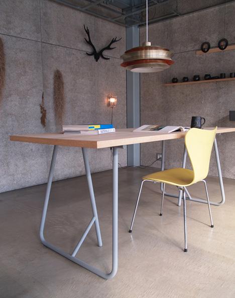 Uma by Kazunaga Sakashita updates archetypal trestle table