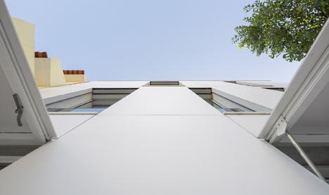 Unifamiliar-House-in-Parede-19
