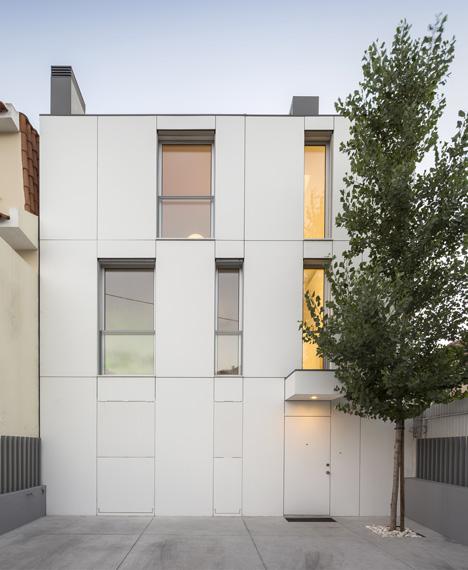 Unifamiliar-House-in-Parede-25