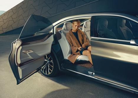 BMW_Vision_Future_Luxury_Dezeen_38