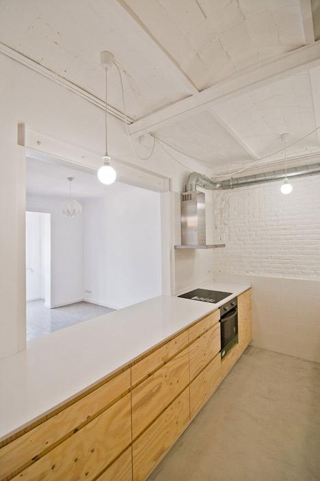 Barcelona apartment renovation by Carles Enrich