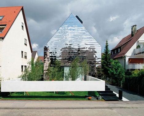 Bernd Zimmermanns mirror-clad House wz2 distorts its surroundings